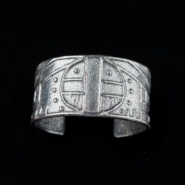 jewelry 10 Erik Fender cuff 600