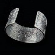 jewelry 10b Erik Fender cuff 600