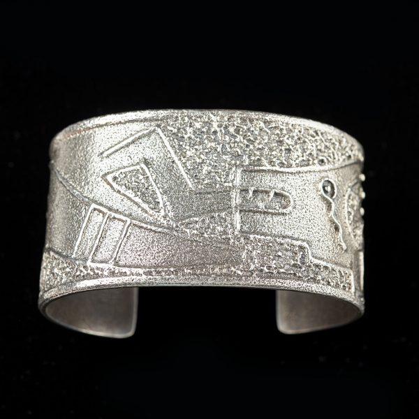 jewelry 11 Erik Fender cuff 800